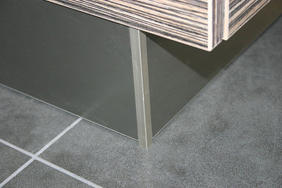Rvs Plint Keuken : Verstekprofiel voor plint ° keukenonderdeel